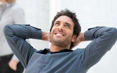 мужчина-воображает-успех-дела